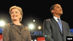 Хиллари Клинтон и Барак Обама во время дебатов в Огайо. Февраль 2008