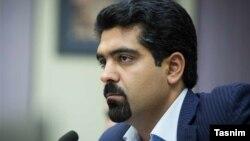 سپنتا نیکنام، عضو زرتشتی شورای شهر یزد در دوره چهارم نیز عضو این شورا بود.