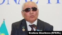Қазақ зағиптар қоғамының президенті Байболат Әубәкіров. Астана, 14 мамыр 2015 жыл.