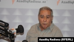 Azerbaijani author Akram Aylisli (file photo)