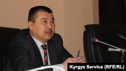 Айтмамат Кадырбаев мэрликке шайланаар алдында.