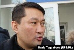 Аскар Молдашев после его освобождения. Алматы, 1 марта 2013 года.