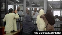 قادة جماعة الأخوان المسلمين في قفص الإتهام
