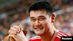 Яо Мин, знаменитый китайский баскетболист