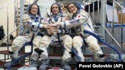 The current crew of the International Space Station: Russian cosmonaut Anton Shkaplerov (center), U.S. astronaut Scott Tingle (left), and Japanese astronaut Norishige Kanai