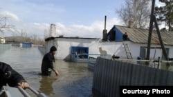 Водная стихия в селе «Садовое» в Бухар-Жырауском районе. Карагандинская область, 15 апреля 2015 года.