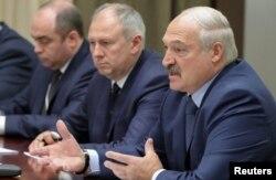 Переговори в Сочі 7 грудня 2019 року. З правого боку Олександр Лукашенко