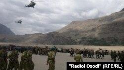 Бадахшандагы тажик армиясы.