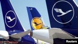Самалёты авіяканцэрну Lufthansa ў аэрапорце ў Франкфурце