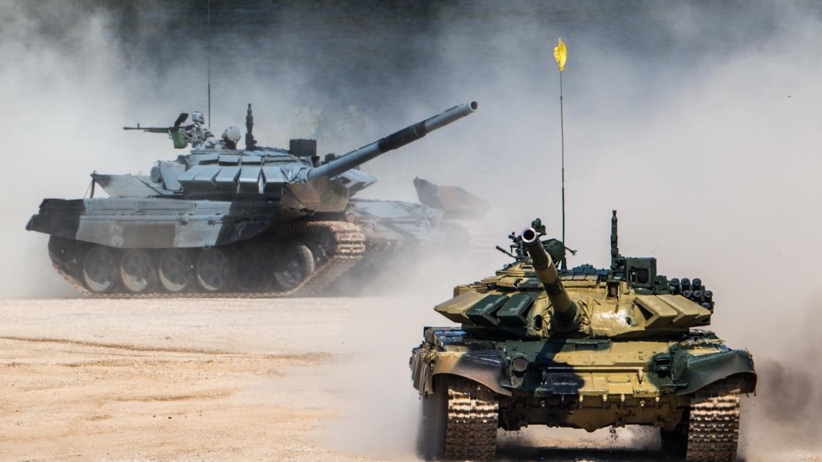 Российские военные учатся стрелять из танков на полигонах в оккупированном Крыму