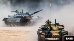 Російські танки Т-72Б3, архівне фото