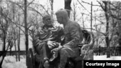 Ленин һәм Сталин һәйкәле