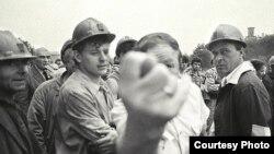 Архівне фото: страйк шахтарів у Донецьку, 1993 рік