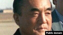 Ясухиро Накасонэ в США в 1983 году