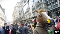 Лондондогу демонстранттардын көңүлү жалпысынан көтөрүңкү, 1-апрел, 2009-жыл
