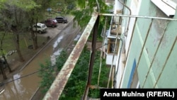 """Балкон на Колотилова, 58 после трагедии """"отремонтировали""""."""