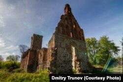 Руины Повунденской кирхи