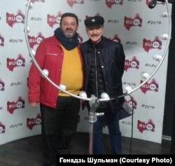 З народным артыстам Аляксандрам Ціхановічам