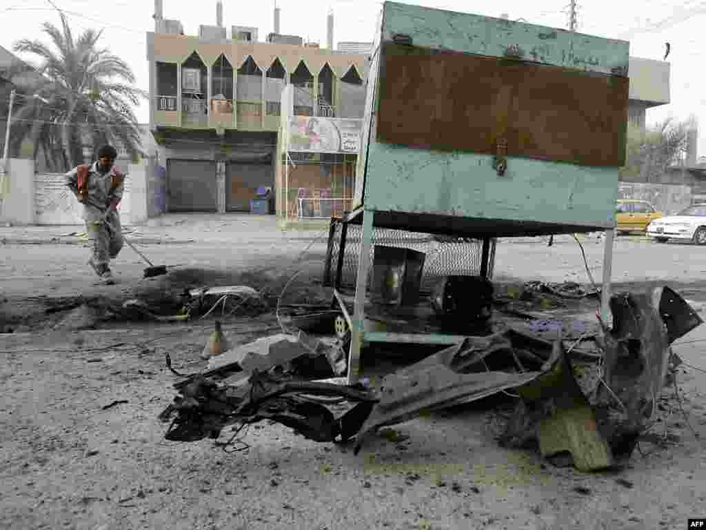 8 человек погибли и 30 получили ранения при взрывах в столице Ирака Багдаде