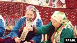 Hasabatda Türkmenistana berlen baha döwletiň däl-de, ynsanperwer kömek bermek boýunça raýatlaryň taýýarlyk derejesine degişli boldy.