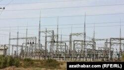 """""""Talyban"""" Türkmenistandan geçiriljek elektrik liniýasyna howp abandyrýar"""