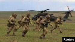 Британські військові на навчаннях у Румунії (Ілюстративне фото)
