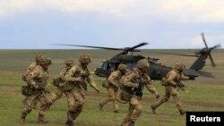 Учения НАТО в Румынии в апреле 2015 года