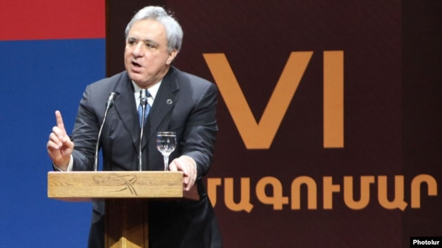 Armenia - Former Foreign Minister Vartan Oskanian addresses a Prosperous Armenia Party congress in Yerevan, 17Mar2012.