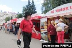 Гандлёвыя рады ўздоўж вуліцы Леніна