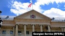 Защита решит вопрос обжалования сегодняшнего решения Тбилисского городского суда после ознакомления с его основной частью. Предварительные слушания состоятся 26 марта