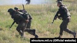 Російські солдати в окупованому Криму під час попередніх навчань влітку 2018 року