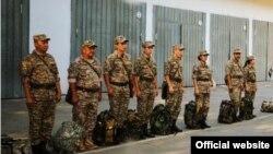 Казахстанские военнослужащие во время построения на плацу. Иллюстративное фото.