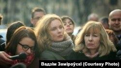 Кацярына Андрэева (у цэнтры) падчас працы