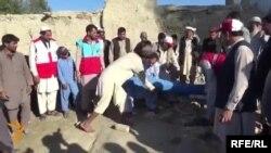 Хуманитарна помош се дели во Авганистан
