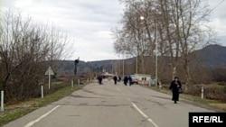Пропускной пункт, разделяющий Гальский и Зугдидский районы