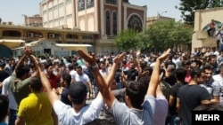 Тегерандын эски базарындагы демонстранттар, 25-июнь, 2018-жыл.