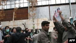 Столкновения оппозиции с правительственными силами у Тегеранского университета, 7 декабря 2009 года