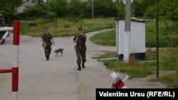 Militari ruși din foeța de pacificatori de la Molovata
