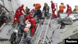 Тайнань қаласындағы зілзаладан кейінгі құтқару операциясы. Тайвань, 6 ақпан 2016 жыл.