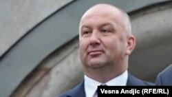 Nenad Popović je ministar bez portfelja u Vladi Srbije