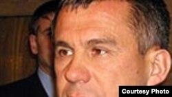 Премьер министр Рөстәм Миңнеханов электрон хөкүмәтне үстерергә тели. Тик Интернет хезмәтләре кыйммәт.