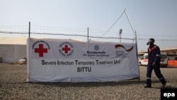 Либерия. Медицина кызматкерлери Эболага каршы күрөштү улантууда.