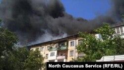 Пожар в пятиэтажном доме по улице Ирчи Казака в Махачкале, 20 августа 2017 года