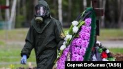 Похороны умерших после заражения коронавирусом на Бутовском кладбище. Москва, май 2020 года. Иллюстрационное фото