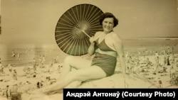 Пляж у Паланзе. Старое фота, калекцыя Андрэя Антонава зь Вільні