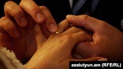 В Угорщині 14 лютого відзначали не тільки День закоханих. Тут триває програма «Тиждень сім'ї»