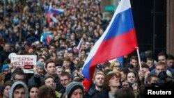 هواداران الکسی ناوالنی در تجمع اعتراضی روز شنبه در مسکو.