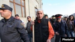 Armenia - Opposition activist Shant Harutiunian leads an anti-government demonstration from Yerevan's Liberty Square, 5Nov2013.