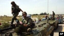 یکی از تانک های ارتش سوریه در نزدیکی شهر درعا