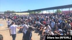 """На пункте пропуска """"Жибек-Жолы"""" на казахстанско-узбекской границе, 3 июля 2020 года"""